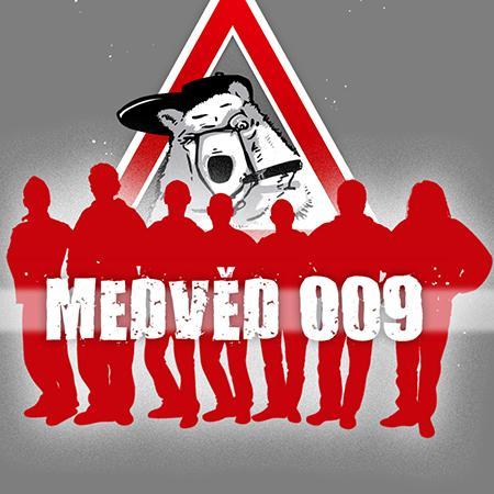 Medvěd 009